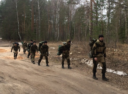Военно-патриотические клубы на тренировочном полевом выходе