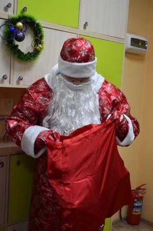 Откройте, Дед Мороз стучится в дверь!
